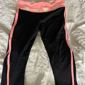 Lululemon up the pace crop NWT